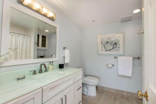 Hallway full bath